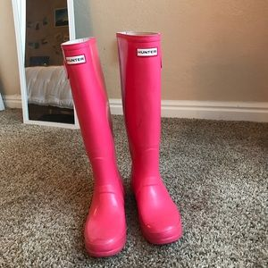 Tall pink Hunter boots | ACCEPTING OFFERS
